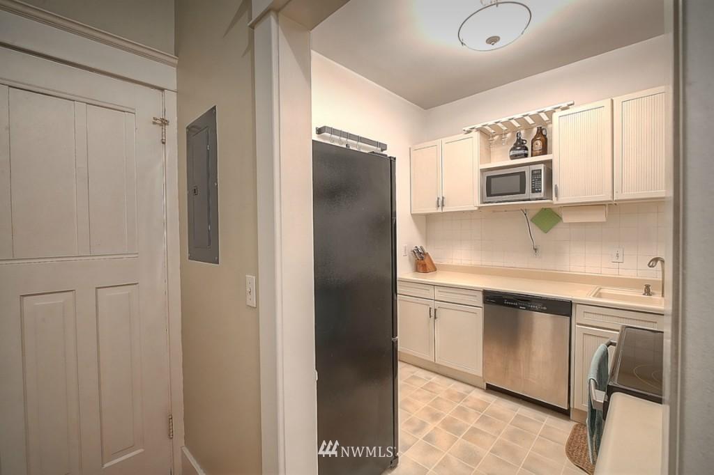 Sold Property | 409 16th Avenue E #9 Seattle, WA 98112 10
