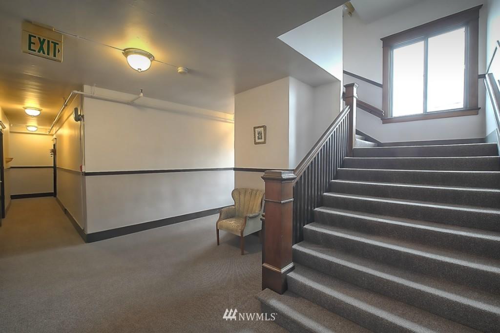 Sold Property | 409 16th Avenue E #9 Seattle, WA 98112 17