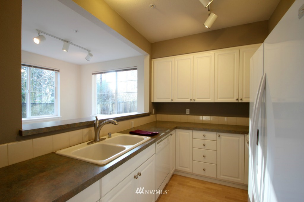 Sold Property | 13000 Admiralty Way #A-106 Everett, WA 98204 2
