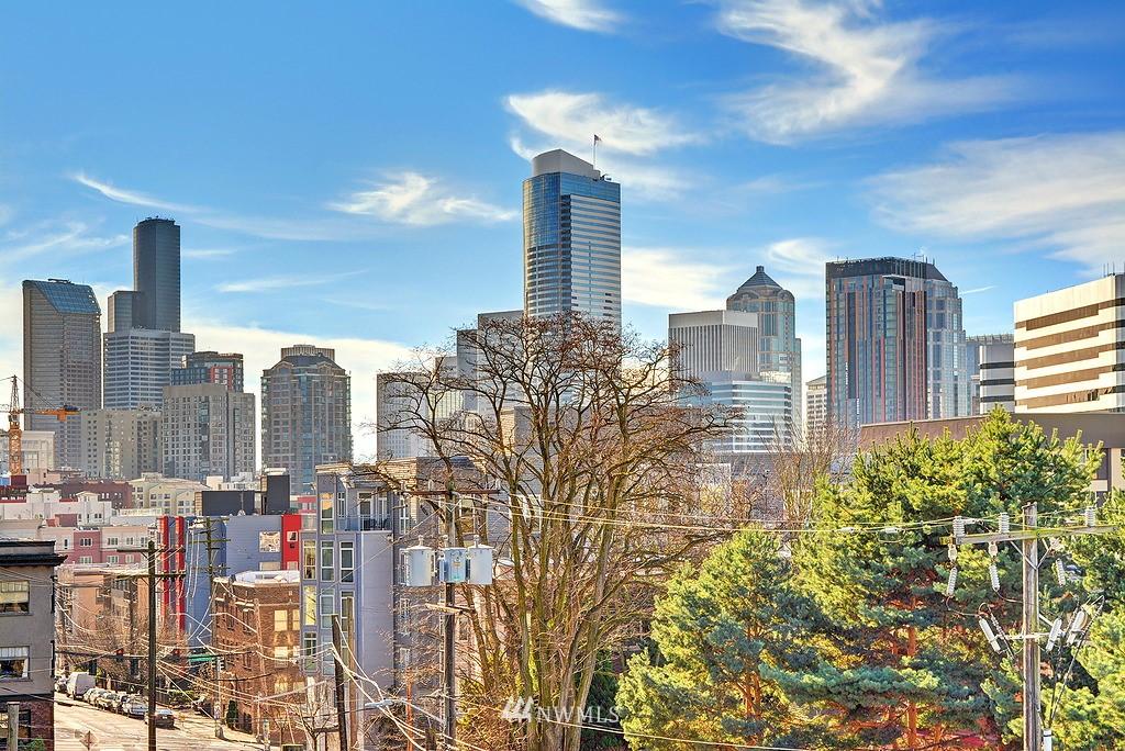 Sold Property   211 Summit Avenue E #S421 Seattle, WA 98102 11