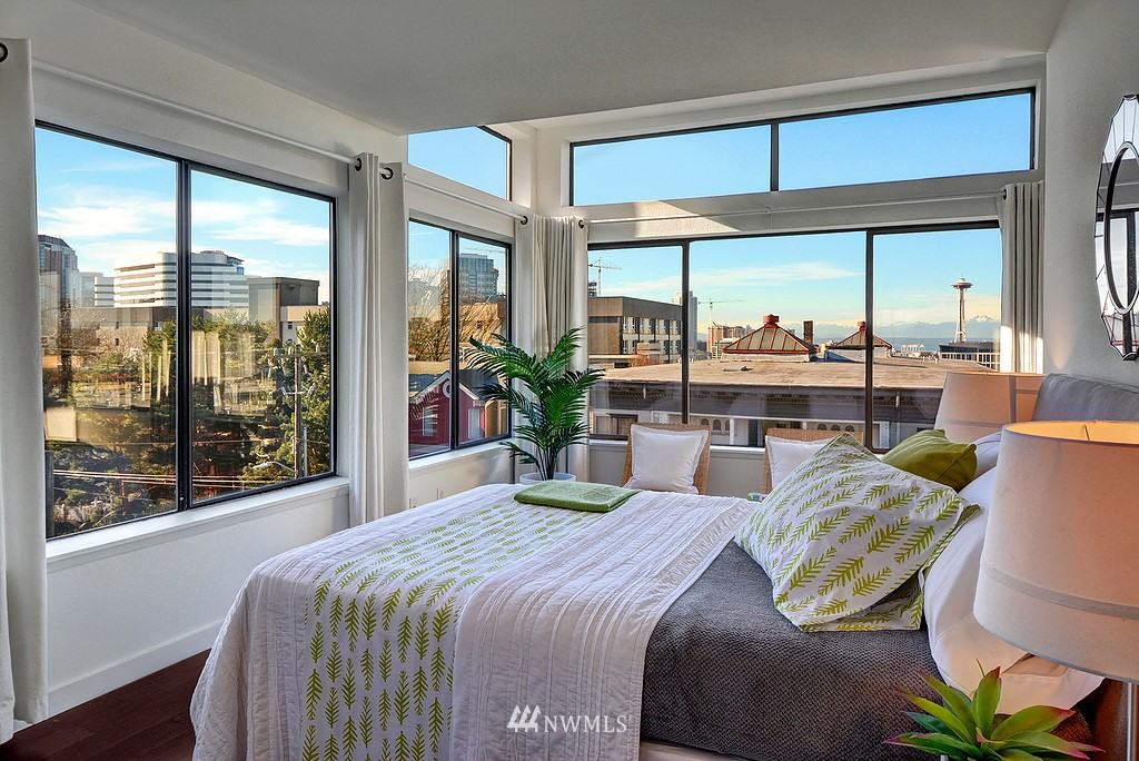 Sold Property   211 Summit Avenue E #S421 Seattle, WA 98102 3
