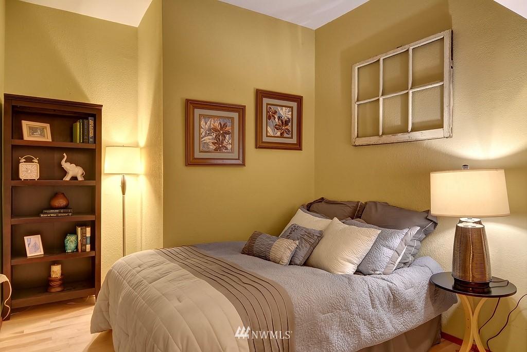 Sold Property | 1107 E Denny Way #A-5 Seattle, WA 98122 4