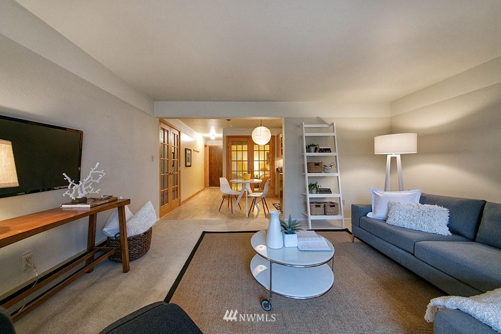Sold Property | 911 N 73rd Street #205 Seattle, WA 98103 3