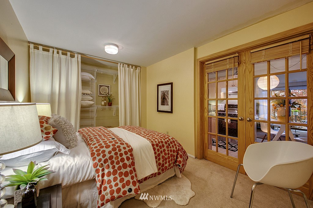 Sold Property | 911 N 73rd Street #205 Seattle, WA 98103 8