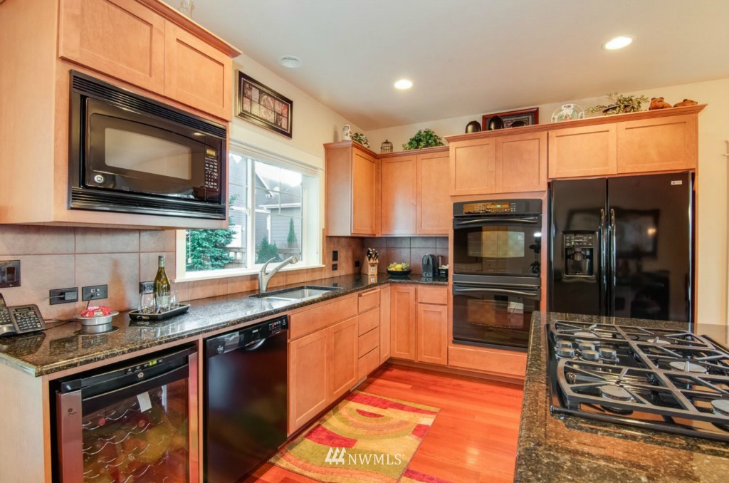 Sold Property | 2133 NE Natalie Way Issaquah, WA 98029 5