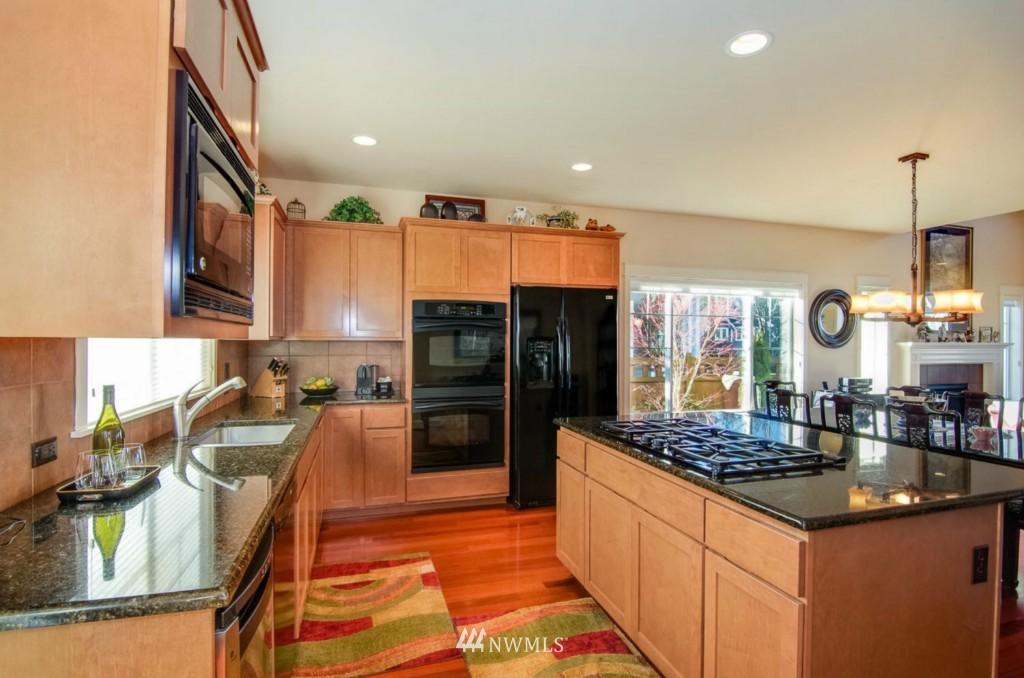 Sold Property | 2133 NE Natalie Way Issaquah, WA 98029 6