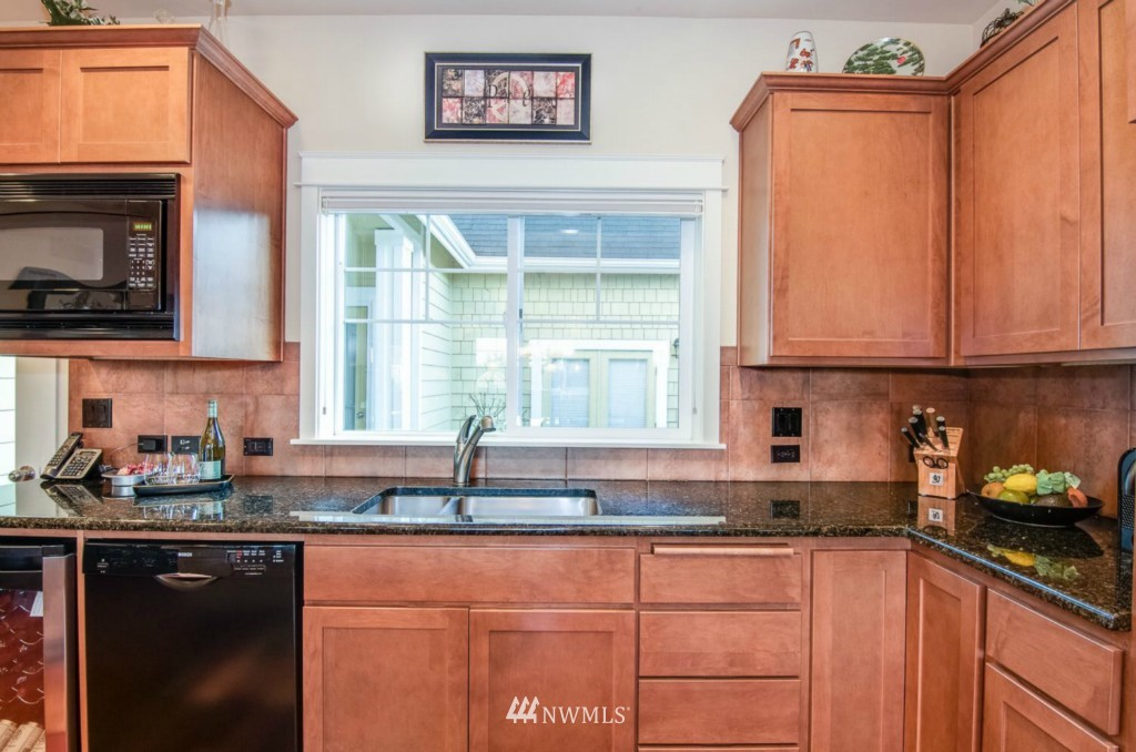 Sold Property | 2133 NE Natalie Way Issaquah, WA 98029 7