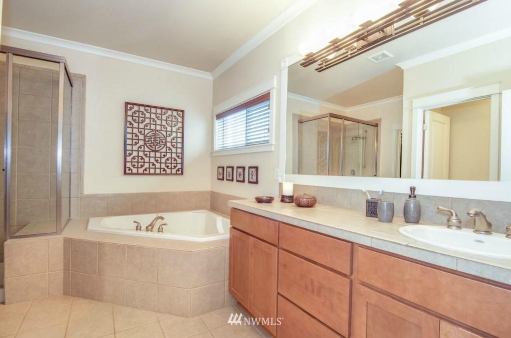 Sold Property | 2133 NE Natalie Way Issaquah, WA 98029 12