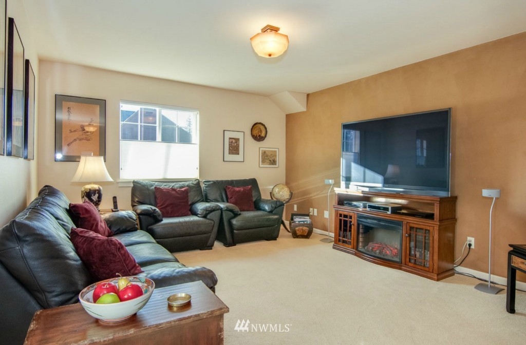 Sold Property | 2133 NE Natalie Way Issaquah, WA 98029 14