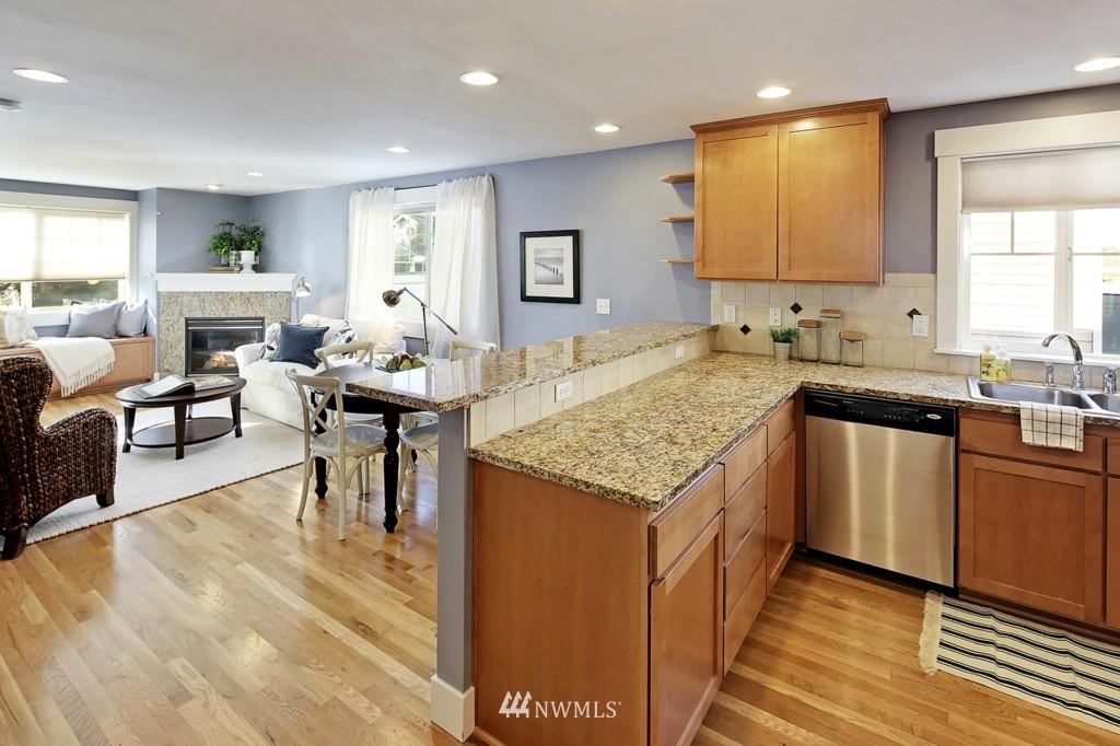Sold Property | 8405 8th Avenue NW #B Seattle, WA 98117 5