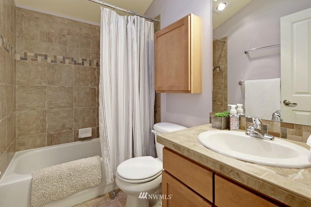 Sold Property | 8405 8th Avenue NW #B Seattle, WA 98117 7