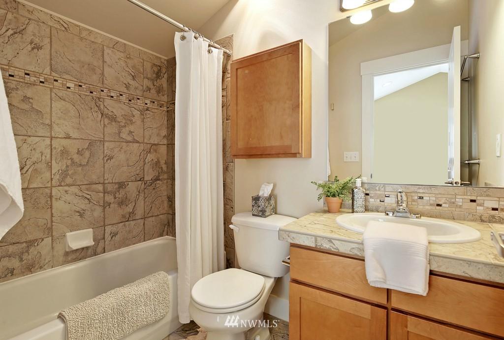 Sold Property | 8405 8th Avenue NW #B Seattle, WA 98117 10