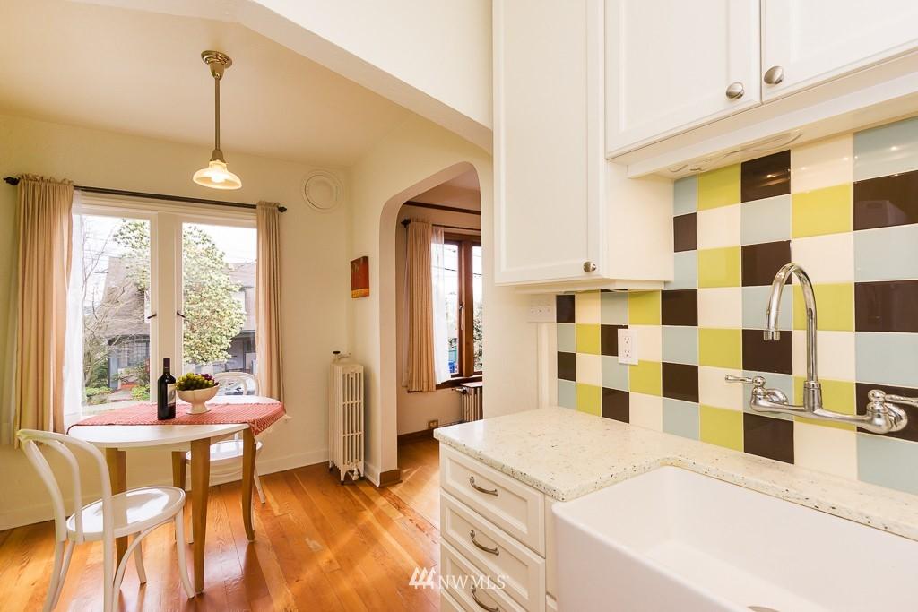 Sold Property | 1623 Taylor Avenue N #102 Seattle, WA 98109 4