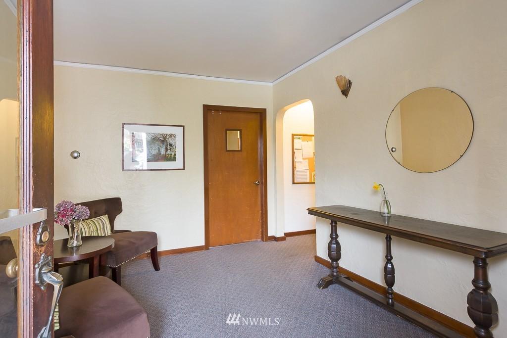 Sold Property | 1623 Taylor Avenue N #102 Seattle, WA 98109 10