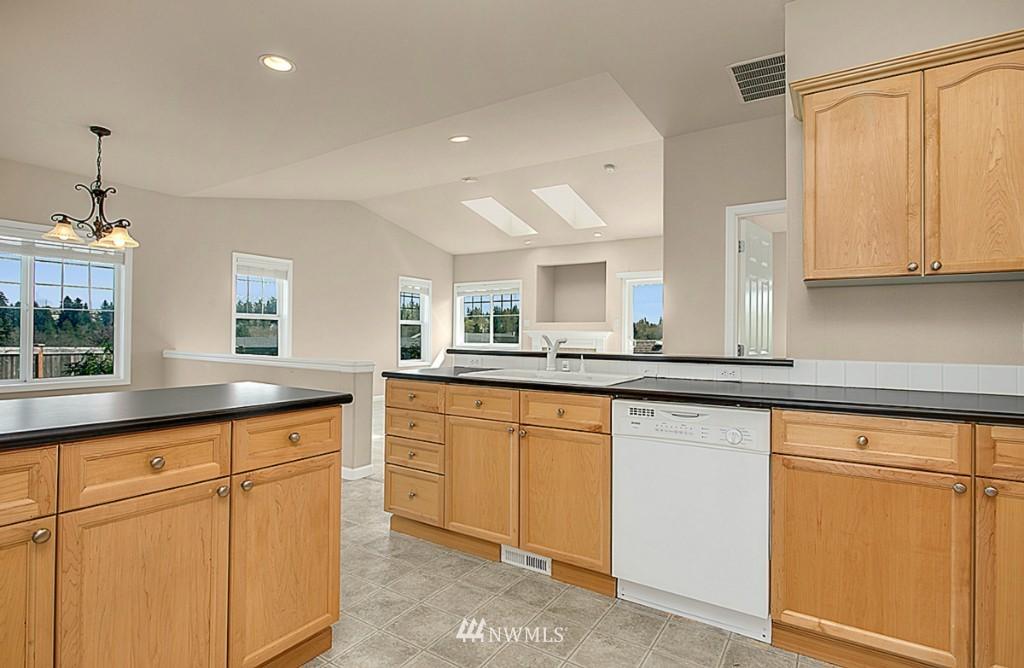 Sold Property | 5314 58th Avenue Ct W University Place, WA 98467 11