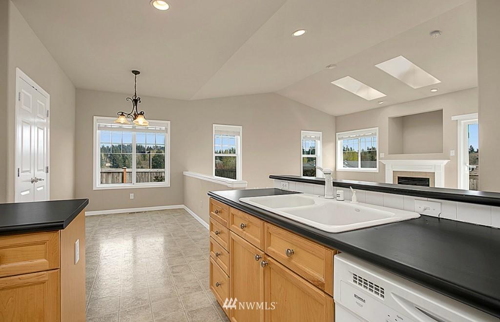 Sold Property | 5314 58th Avenue Ct W University Place, WA 98467 12