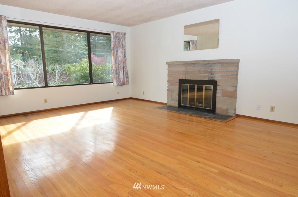 Sold Property | 14001 20th Avenue NE Seattle, WA 98125 1