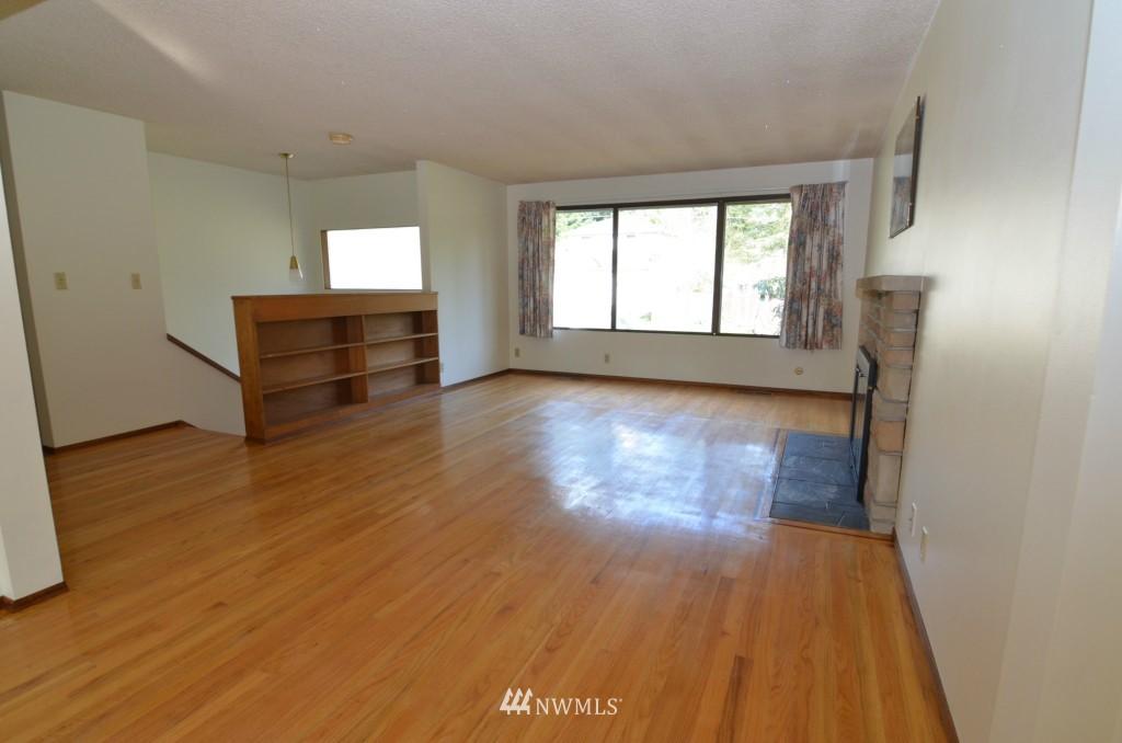 Sold Property | 14001 20th Avenue NE Seattle, WA 98125 2