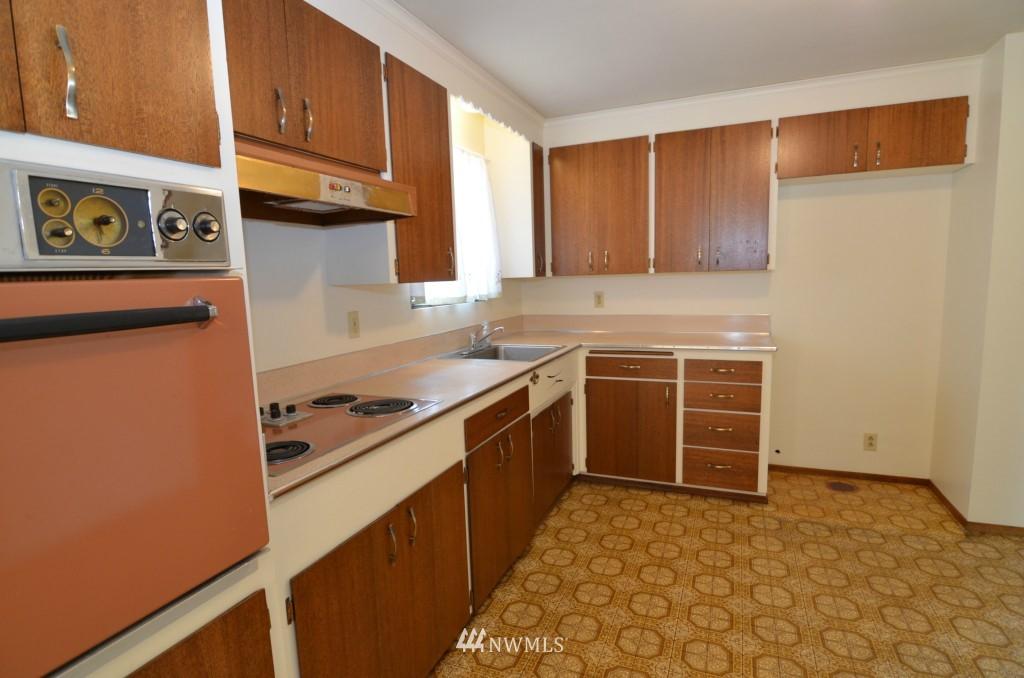Sold Property | 14001 20th Avenue NE Seattle, WA 98125 3
