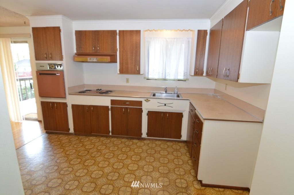 Sold Property | 14001 20th Avenue NE Seattle, WA 98125 4