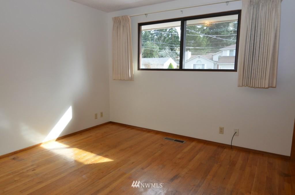 Sold Property | 14001 20th Avenue NE Seattle, WA 98125 7