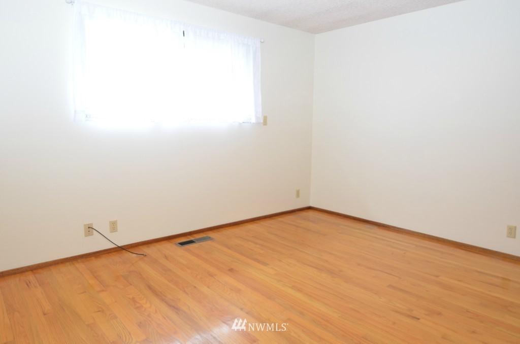 Sold Property | 14001 20th Avenue NE Seattle, WA 98125 8