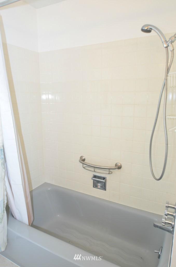 Sold Property | 14001 20th Avenue NE Seattle, WA 98125 10