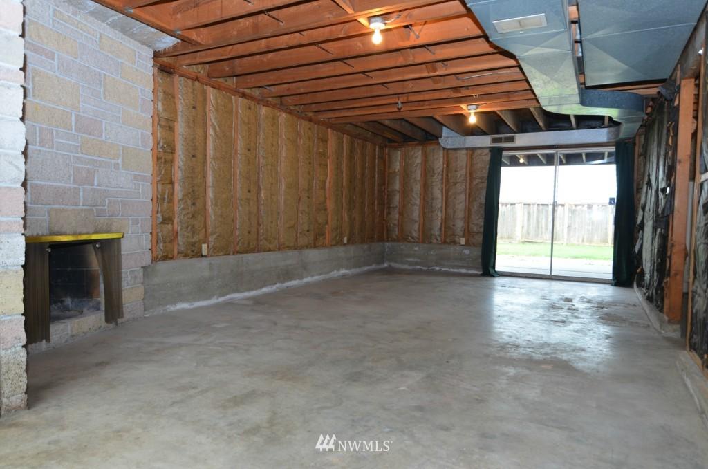 Sold Property | 14001 20th Avenue NE Seattle, WA 98125 12