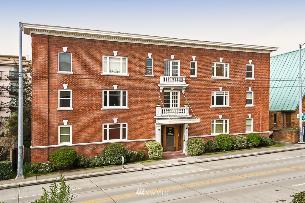 Sold Property | 4725 15th Avenue NE #28 Seattle, WA 98105 0