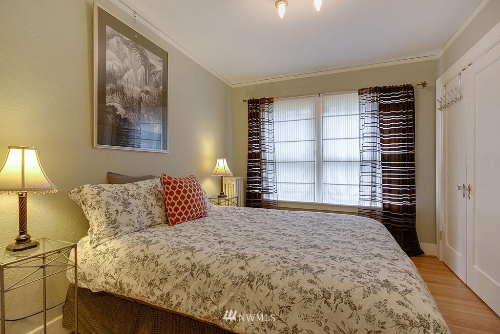Sold Property | 4903 Linden Avenue N #1 Seattle, WA 98103 8