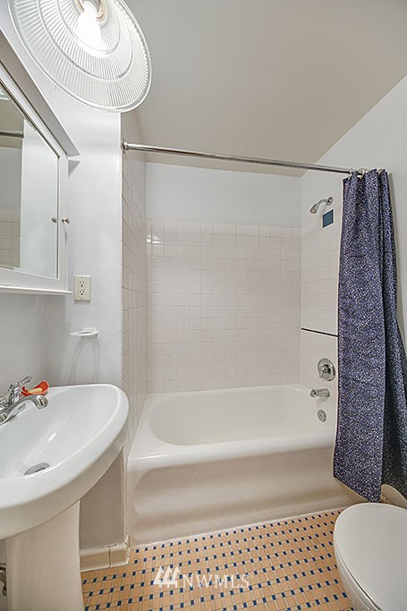 Sold Property | 4903 Linden Avenue N #1 Seattle, WA 98103 9