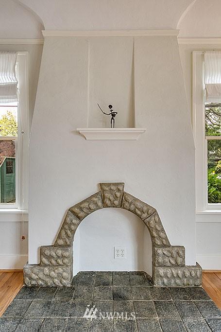 Sold Property | 4903 Linden Avenue N #1 Seattle, WA 98103 4