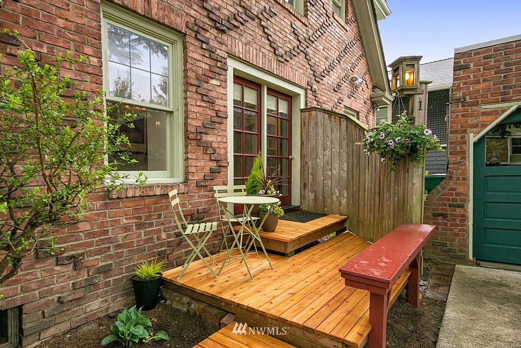 Sold Property | 4903 Linden Avenue N #1 Seattle, WA 98103 1