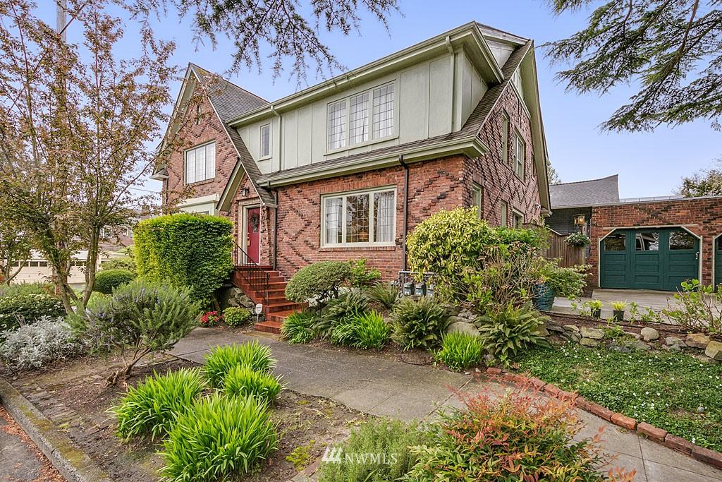 Sold Property | 4903 Linden Avenue N #1 Seattle, WA 98103 0