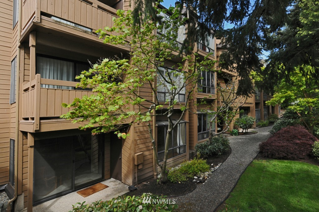 Sold Property   10545 Meridian Avenue N #2-105 Seattle, WA 98133 0