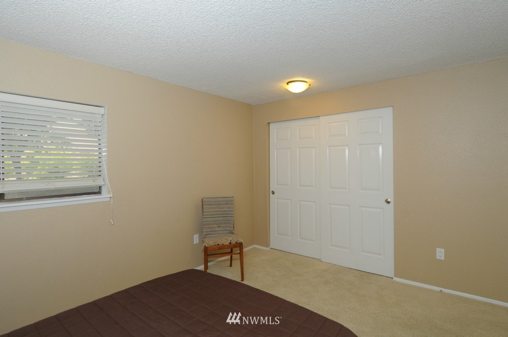 Sold Property   10545 Meridian Avenue N #2-105 Seattle, WA 98133 15