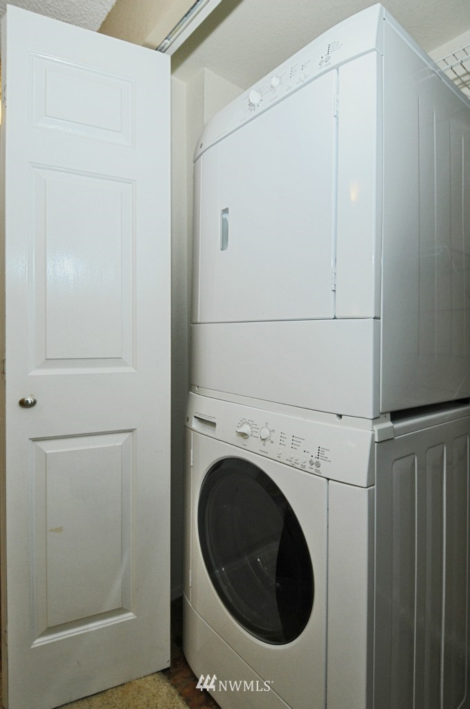 Sold Property   10545 Meridian Avenue N #2-105 Seattle, WA 98133 17