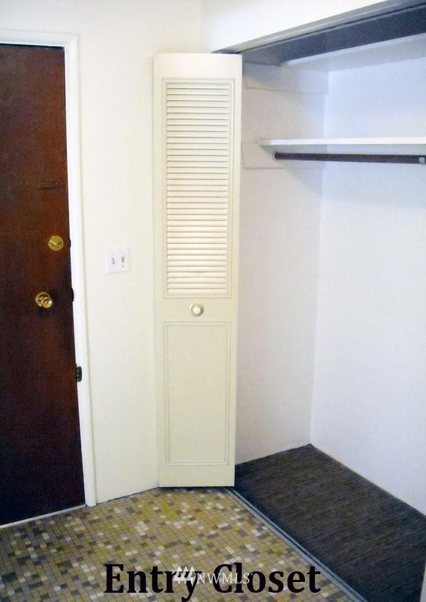 Sold Property | 1017 W Nickerson #24 Seattle, WA 98119 1