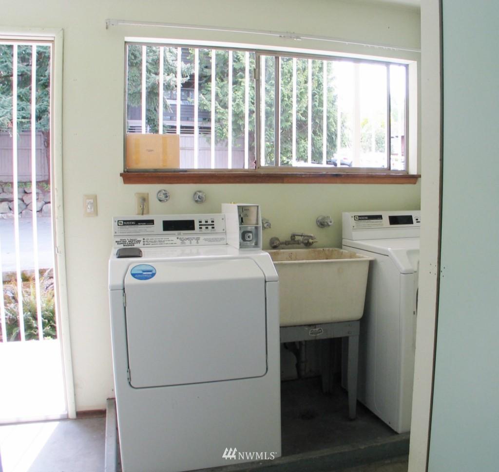 Sold Property | 1017 W Nickerson #24 Seattle, WA 98119 9