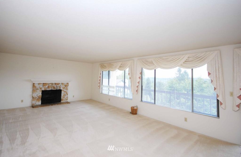 Sold Property | 17924 23rd Lane NE #G-201 Shoreline, WA 98155 1