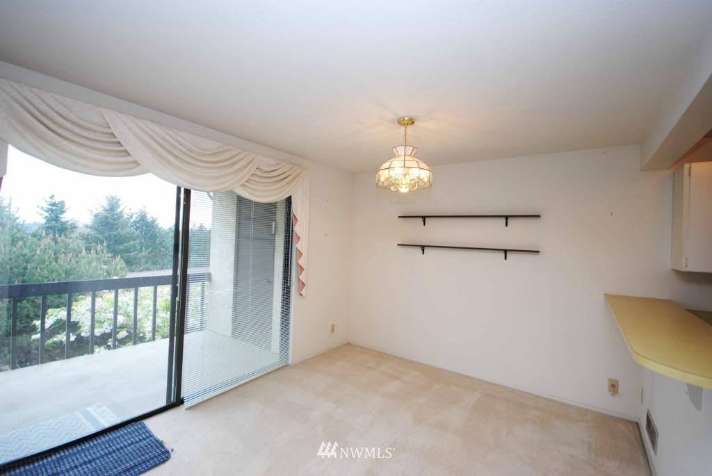 Sold Property | 17924 23rd Lane NE #G-201 Shoreline, WA 98155 3