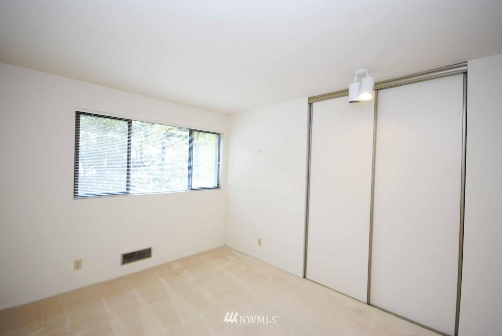 Sold Property | 17924 23rd Lane NE #G-201 Shoreline, WA 98155 6