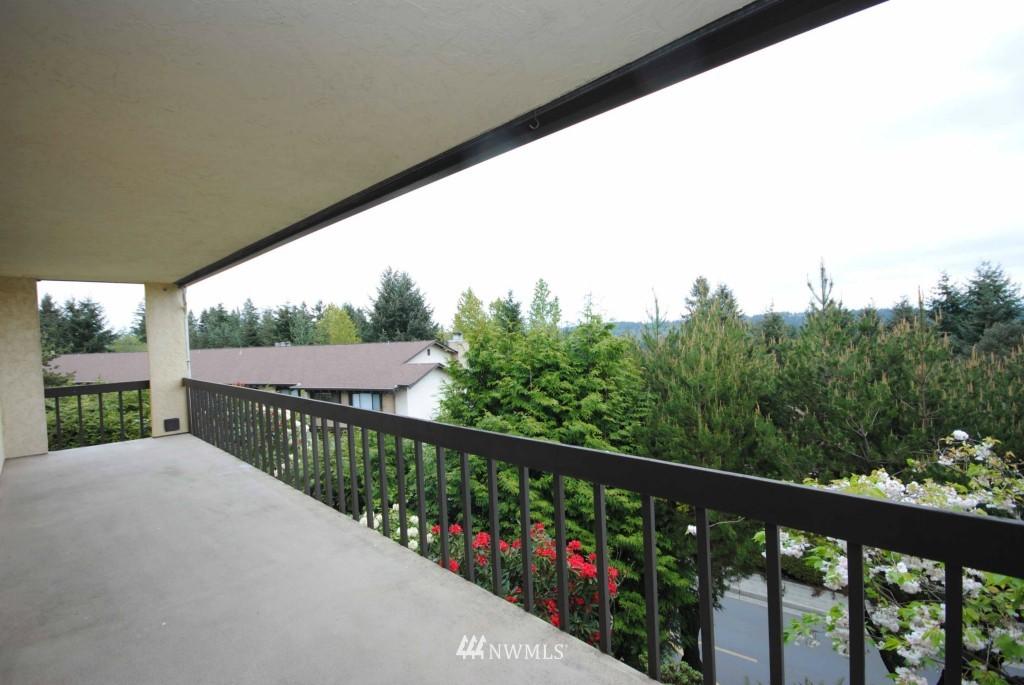 Sold Property | 17924 23rd Lane NE #G-201 Shoreline, WA 98155 11