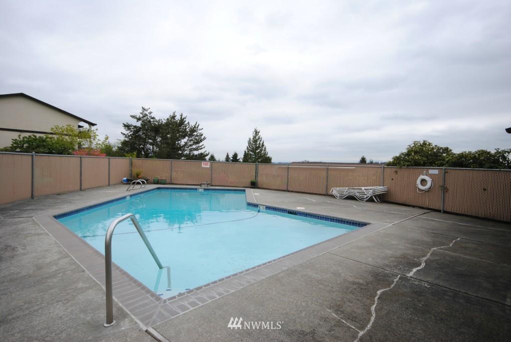 Sold Property | 17924 23rd Lane NE #G-201 Shoreline, WA 98155 13