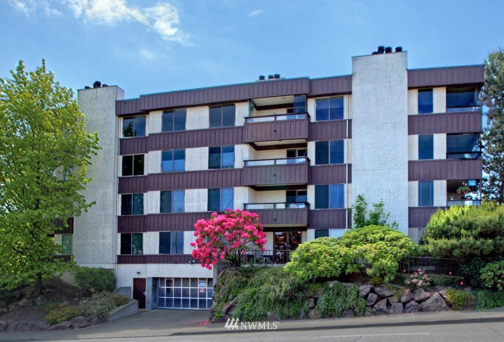Sold Property | 3421 SW Roxbury Street #402 Seattle, WA 98126 1
