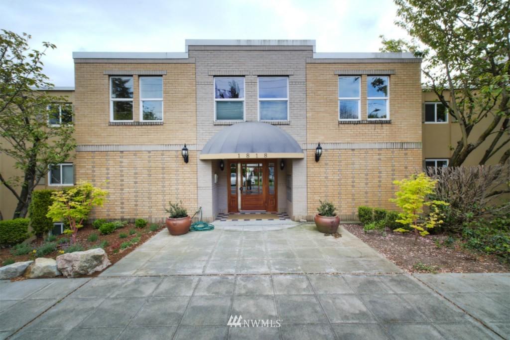 Sold Property | 1818 Bigelow Avenue N #303 Seattle, WA 98109 0