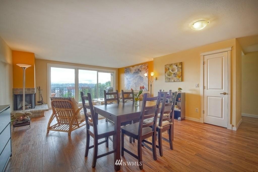 Sold Property | 1818 Bigelow Avenue N #303 Seattle, WA 98109 3