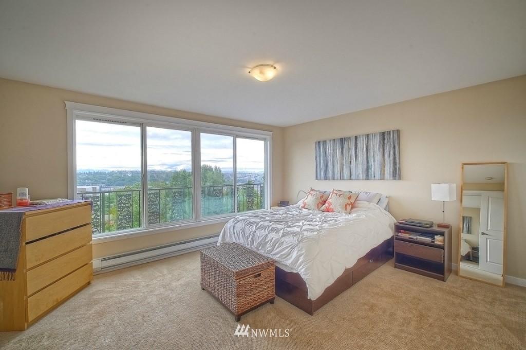 Sold Property | 1818 Bigelow Avenue N #303 Seattle, WA 98109 9