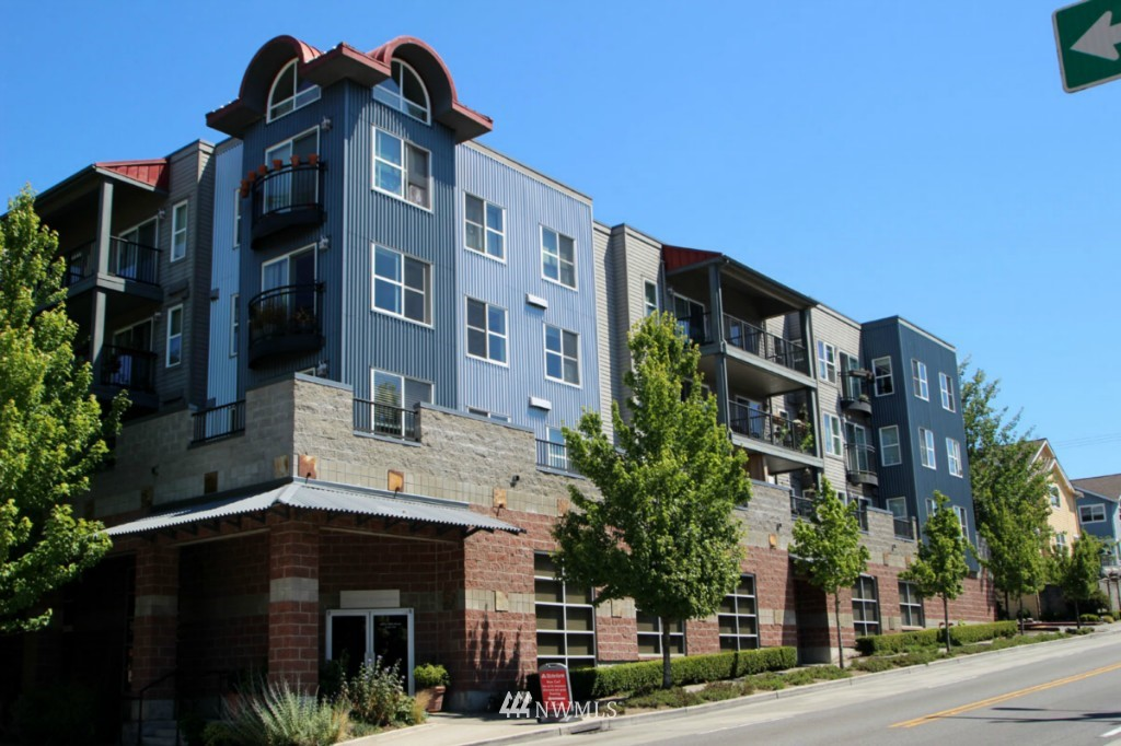 Sold Property | 600 N 85th Street #212 Seattle, WA 98103 0