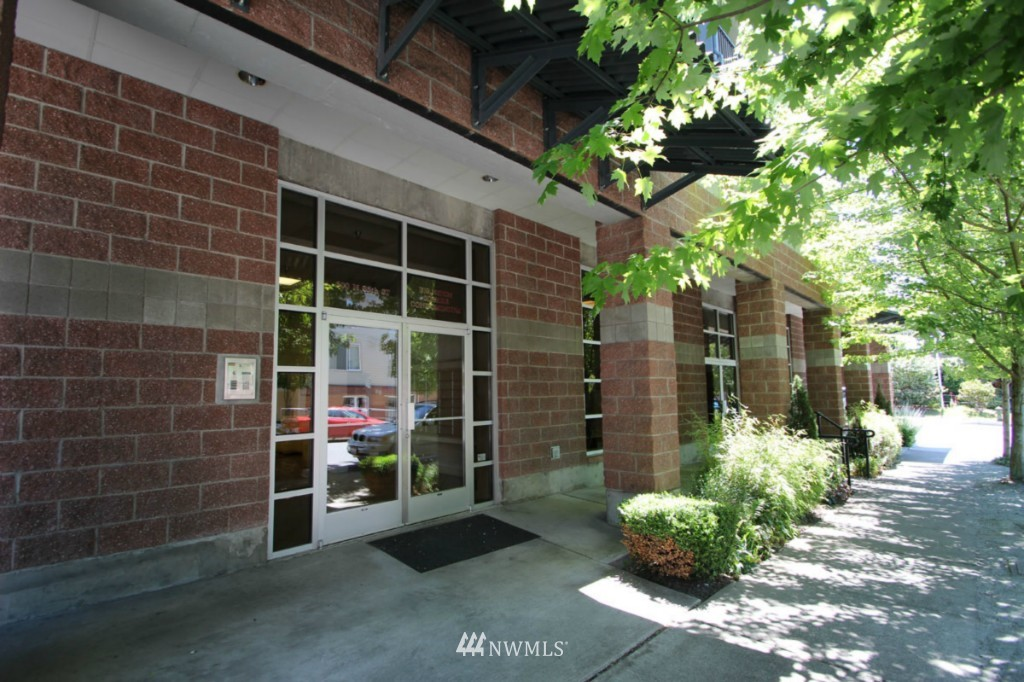 Sold Property | 600 N 85th Street #212 Seattle, WA 98103 22
